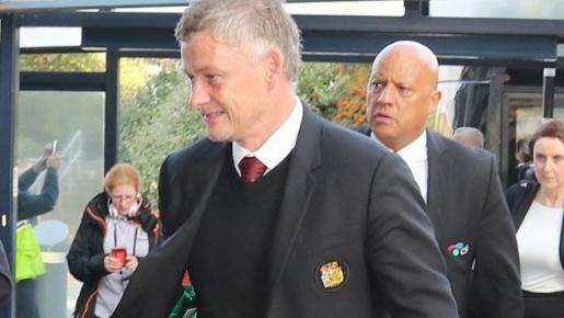 XONG! Man Utd mất 5 trụ cột, Solskjaer ra quyết định táo bạo trận cầu đinh