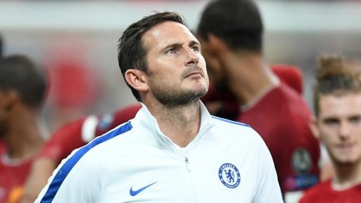 CĐV Chelsea: 'Phí tiền; Mua cậu ta là ngu ngốc'