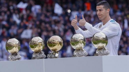 Rời Real, Ronaldo tạm biệt 6 danh hiệu cá nhân cao quý