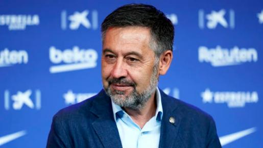 Khán giả: 'Barca hãy ngừng trả góp, có tiền thì mua, không thì thôi'