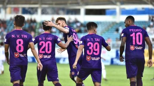 Khăn gói rời Sài Gòn FC, số phận của 18 cầu thủ giờ ra sao?