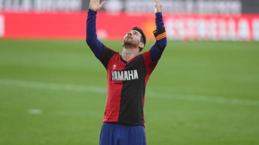 Griezmann khiến đối thủ đứng hình, Messi chốt hạ, Barca vùi dập Osasuna