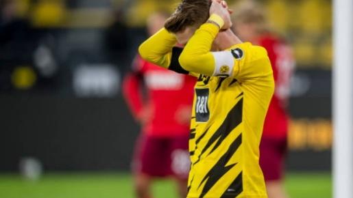 Thủng lưới 2 lần bởi cùng 1 kịch bản, Dortmund 'chết lặng' trên sân khách