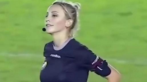 Quá xinh đẹp, nữ trọng tài FIFA bị rủ đi 'tiếp khách'