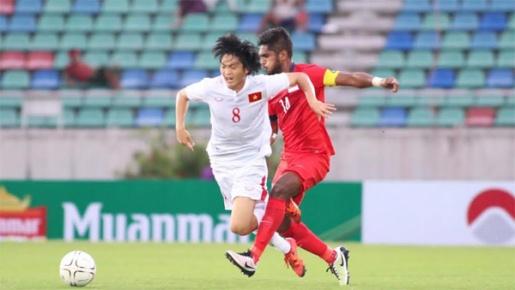Tuấn Anh góp công lớn trong chức vô địch của tuyển Việt Nam nhưng không kịp nâng cúp.