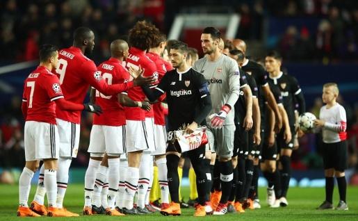 Sanchez ủ rũ, tệ hại trước Sevilla: Đẳng cấp là thứ xa xỉ? - Bóng Đá
