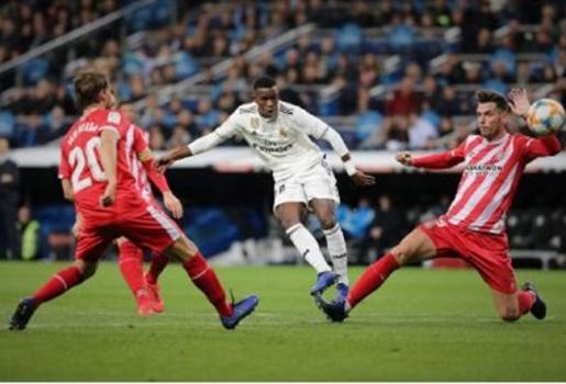 3 điểm nhấn Real Madrid 4-2 Girona: Hổ báo như Ramos, Vinícius bùng nổ