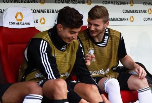 Joachim Low bối rối khi Chelsea cướp 2 báu vật Bundesliga