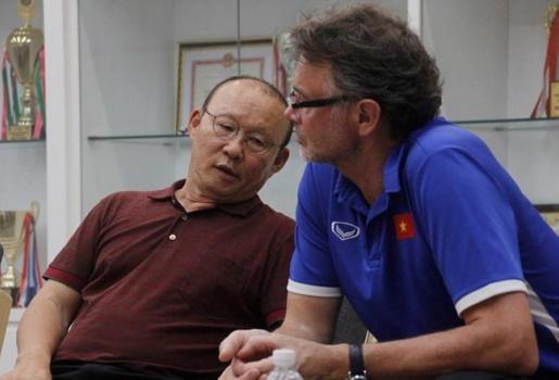 HLV Park Hang-seo ủ mưu đấu Thái Lan cùng trinh thám trở về từ Malaysia