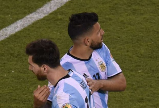 Sốc: Vài cầu thủ Argentina đang muốn theo chân Messi