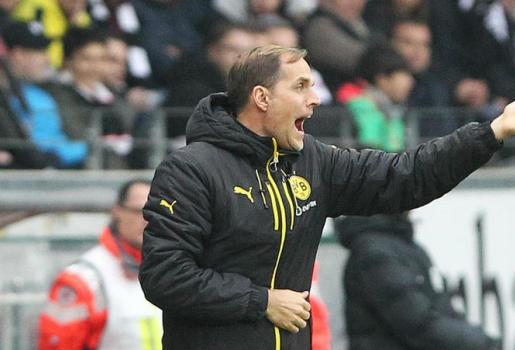 Tuchel chỉ trích học trò thiếu khát khao sau trận thua Frankfurt