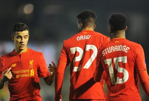 Origi thất bại trên chấm 11m, Liverpool đi tiếp nhờ hàng thải