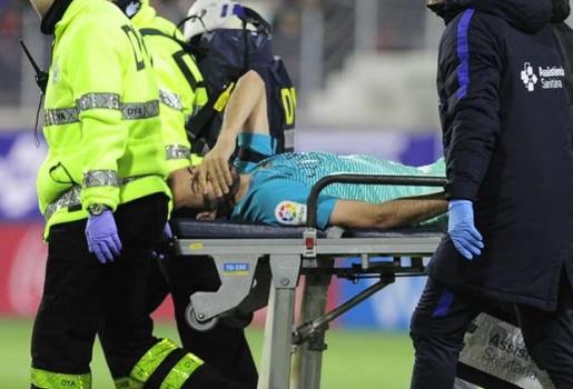 Busquets chấn thương nặng, đồng đội chưa hết sốc