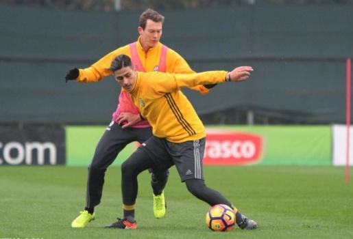 Bỏ chiến thuật, sao Juventus tập trung luyện đấu tay đôi