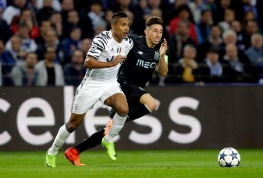 Tiền vệ Porto dính chấn thương rùng rợn