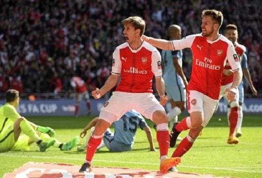 Dùng 3-4-3 hạ Man City, Arsenal hẹn Chelsea ở Chung kết