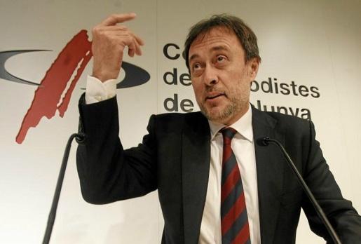 Chủ tịch Barca là nguyên nhân khiến Messi chưa chính thức gia hạn!