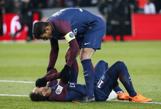 Neymar, Messi và những sao từng 'gặp hạn' với xương bàn chân