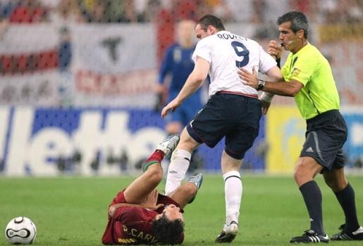Alex Ferguson gọi tới và nói: Tôi sẽ giết ông. Ông xong rồi