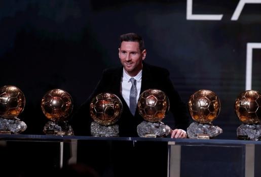 Đáng ra Messi phải hơn Ronaldo 10 QBV