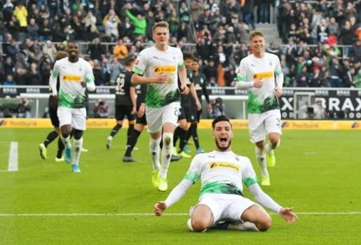 Kẻ hạ sát Bayern đưa ra lời đánh giá khiến Ligue 1 mất mặt