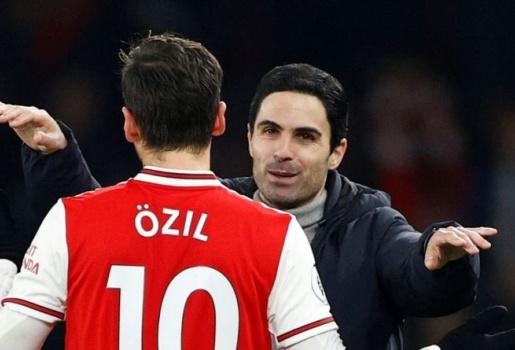 Cựu sao Arsenal: HLV Arteta nên tiễn cái tên đó khỏi Emirates