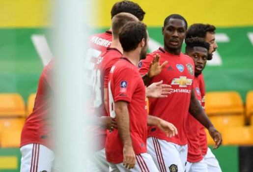 Đá tệ hại, sao Man Utd bất ngờ có tên trong đội hình tiêu biểu tứ kết FA Cup