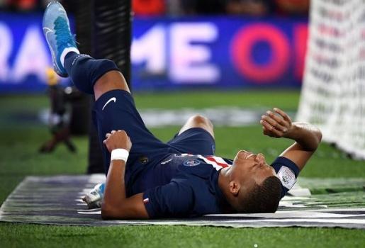 Sao PSG nói 1 lời về chấn thương của Mbappe