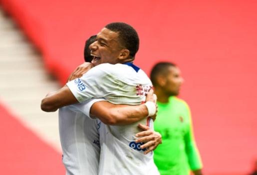 Dẹp virus Corona, Mbappe tái xuất quá biến ảo, PSG chiến thắng 3 bàn trắng