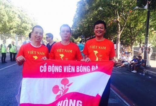 CĐV Việt Nam bức xúc, tố VFF tuồn vé ra... chợ đen