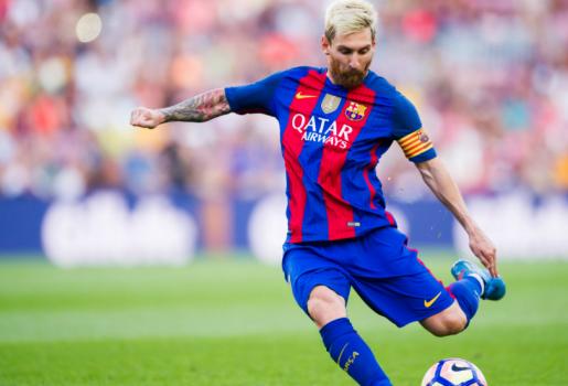Cuộc đua đến Chiếc giày vàng: Messi cho Ronaldo hít khói