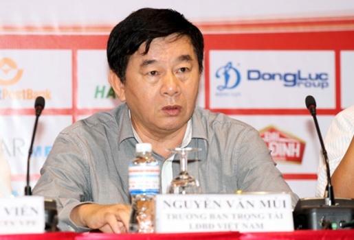 'Bóng ma' trọng tài ám ảnh cả một nền bóng đá chuyên nghiệp