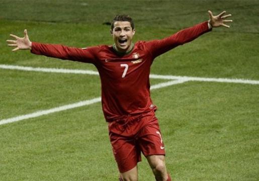 Ronaldo kêu đồng đội cần hết sức tập trung. Ảnh: Internet.