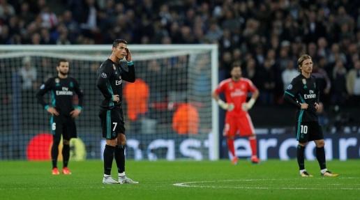 Alli lập cú đúp, Kền kền trắng phơi xác tại Wembley - Bóng Đá