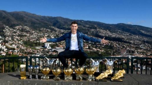 Real Madrid từ chối tăng lương cho Ronaldo và câu chuyện 'Cậu bé chăn cừu' - Bóng Đá