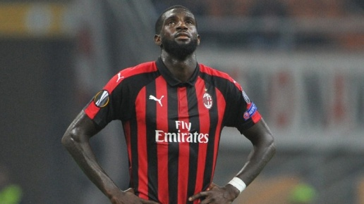 Khiến đồng đội gặp họa, sao AC Milan nhận án phạt nặng - Bóng Đá