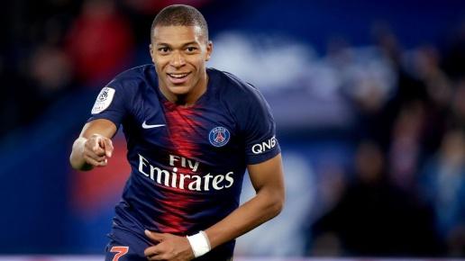 Real chú ý! Mbappe chịu chung số phận với Rabiot, bị phạt 180,000 Euro Psg-vs-man-utd-kylian-mbappe-va-nghich-ban-cua-neymar-1603