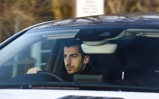 Mkhitaryan không kìm được nước mắt trong ngày chia tay Man Utd - Bóng Đá