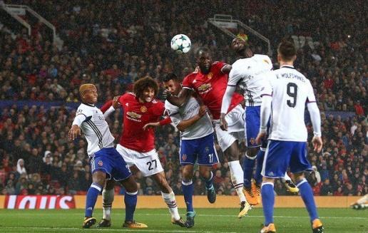 HLV Mourinho khen ngợi 2 cái tên này sau chiến thắng Basel - Bóng Đá