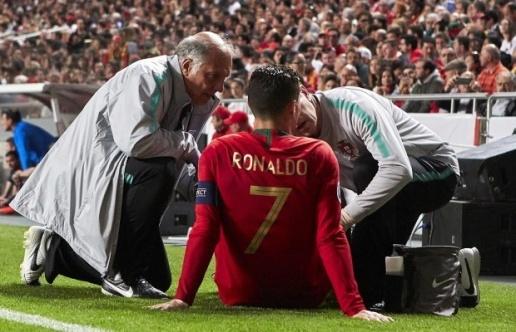 Allegri: Bonucci đã sai, Ronaldo bỏ ngỏ khả năng đá với Ajax - Bóng Đá