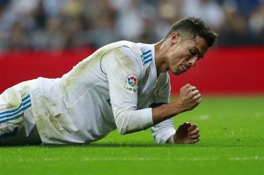 Đừng so với Messi, Ronaldo giờ còn tệ hơn cả Paulinho - Bóng Đá