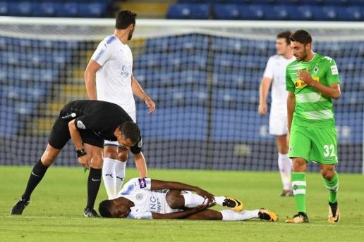 Ra mắt Leicester được 17 phút, Iheanacho đã phải lên cáng - Bóng Đá