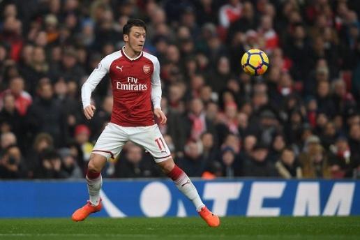 Đến Barca, Mesut Ozil nhận lương CỰC KHỦNG - Bóng Đá