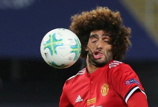 Man Utd vẫn đang nhức đầu với đầu gối của Fellaini - Bóng Đá