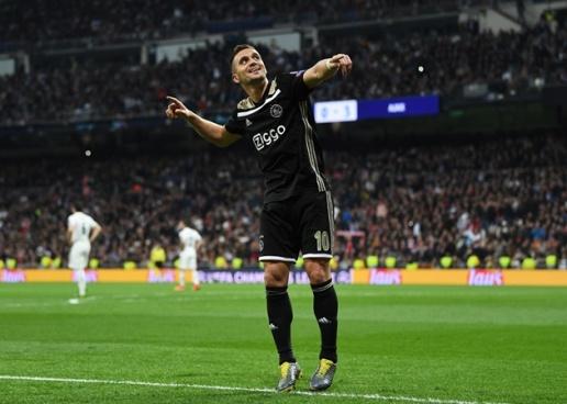 Từ Suarez đến Van Dijk: 10 ngôi sao nổi tiếng từng chơi cho Groningen - Bóng Đá