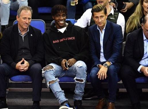 Sir Alex, Hazard, Bruyne và dàn sao Ngoại hạng Anh háo hức đi xem bóng rổ - Bóng Đá