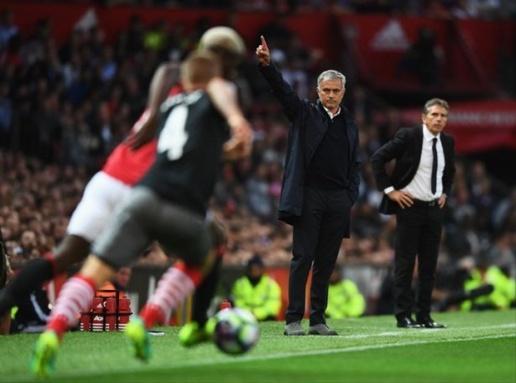 Mourinho dành lời khen cho hậu vệ cánh của M.U