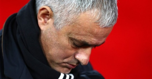 Phản ứng bất ngờ của huyền thoại Liverpool khi Mourinho bị sa thải