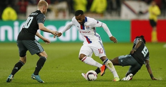 Lacazette lập cú đúp, Lyon suýt chút nữa khiến Ajax ôm hận | Bóng Đá