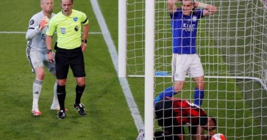 Thua thảm, Leicester City còn gặp tổn thất lớn khi gặp M.U | Bóng Đá